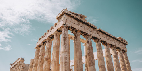 15 reasons why you should travel to Greece right now