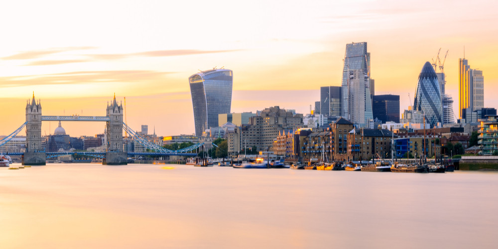 Panoramic view of London cityscape at sunset