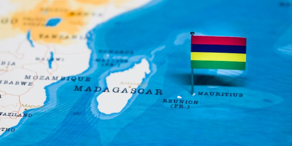 Flag of mauritius in the world map