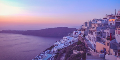 10 reasons why you should travel to Santorini instead of Mykonos