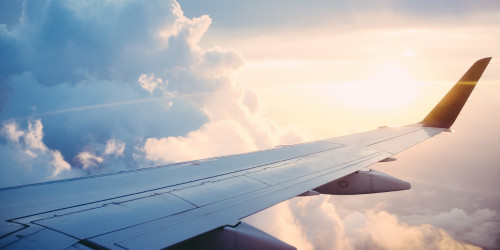 7 super lifehacks for airplanes. Those with fear of flying wouldn't want to miss out!