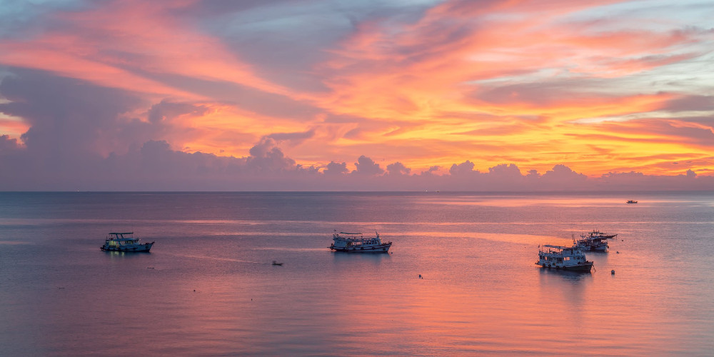 Modern ships sailing, Tuvalu