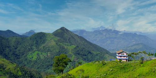 10 reasons why you should travel to Medellin instead of Bogota