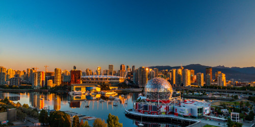 10 reasons why you should travel to Vancouver instead of Toronto