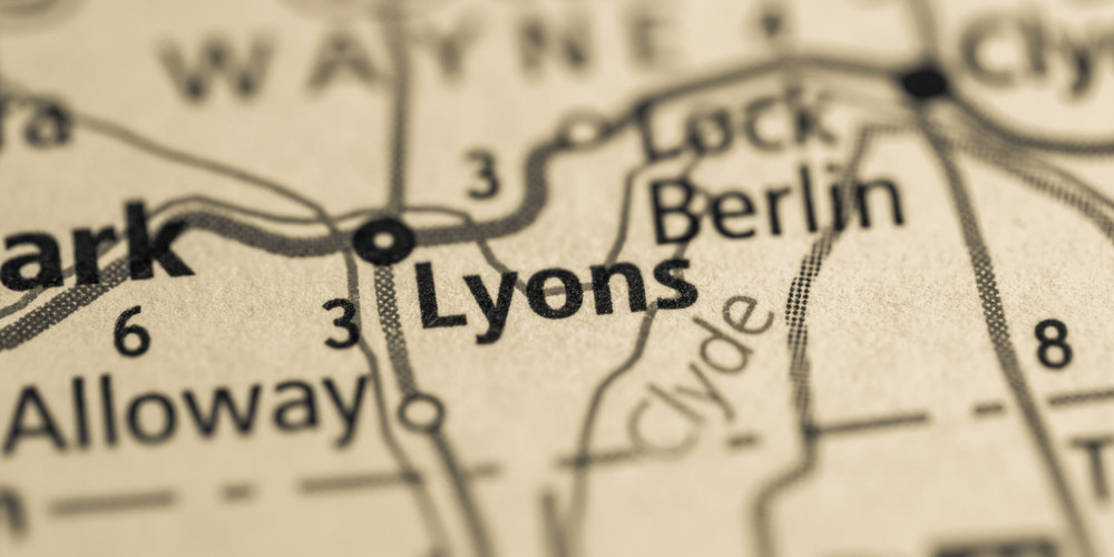 Lyons falls village on the map
