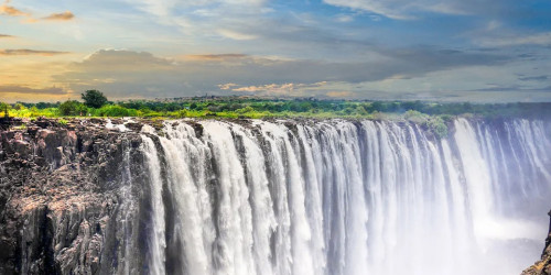 14 reasons why you should travel to Zimbabwe right now