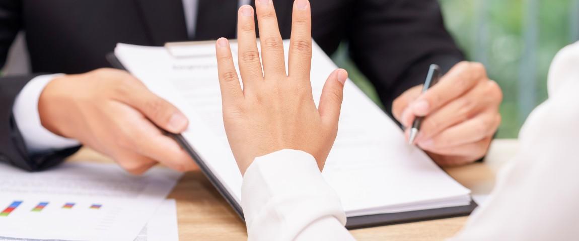 interview hand gestures