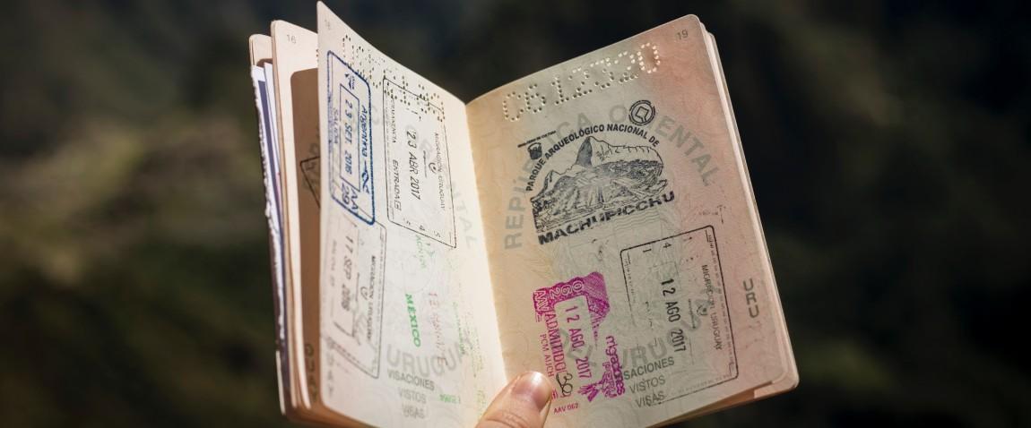 mujchina derjit pasport somali