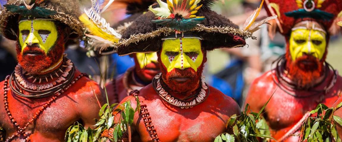 huli tribe people