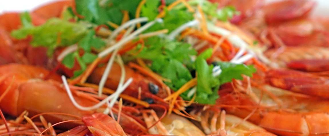 prawns steamed seafood