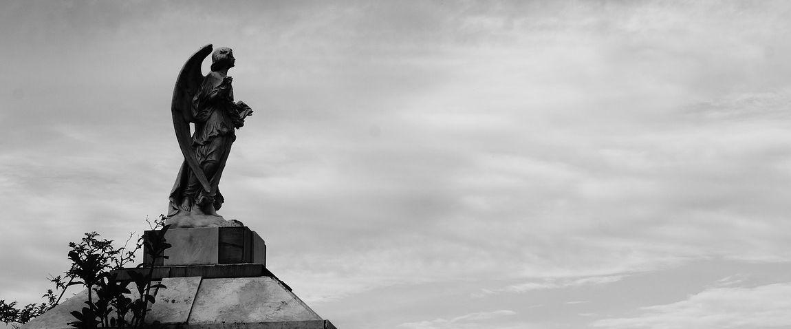 statue in san salvador