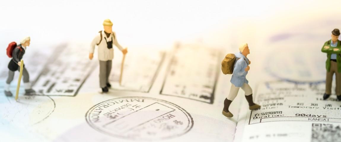 travel miniature people figures