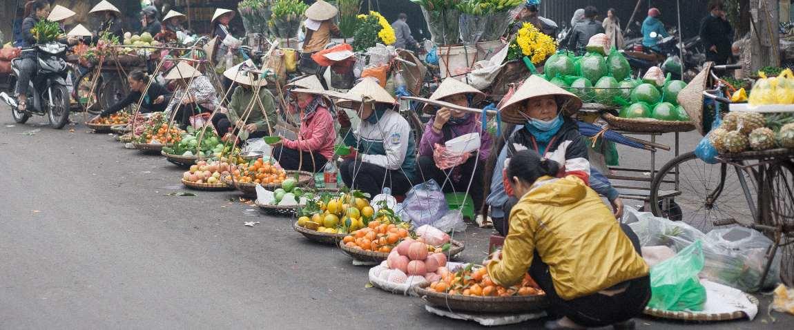 vietnam street vendors