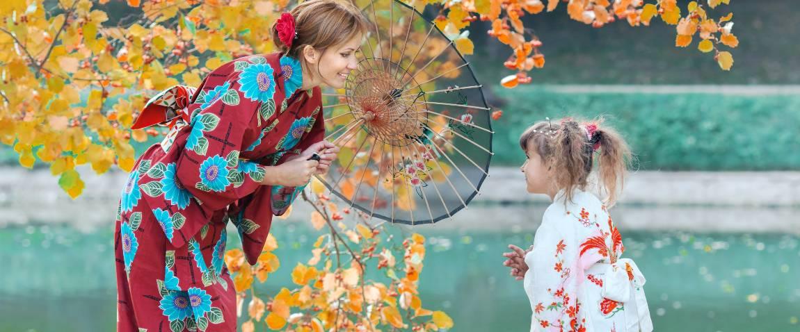 woman and girl dressed in kimono